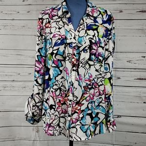NWT Gorgeous Floral Button Down Blouse